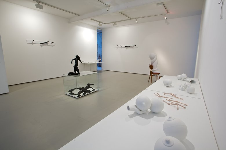 Emma Woffenden: Bigger than the real thing, 2010. Exhibition view