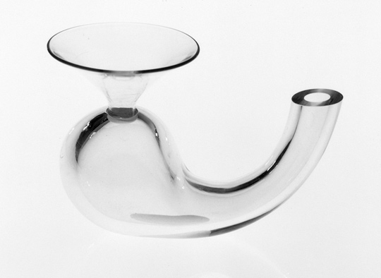 Emma Woffenden: Glass objects, 1993–1995. Apparatus, 1994  15 × 20 × 10 cm