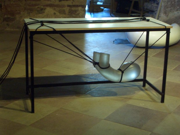 Emma Woffenden: Borgholm Castle installation, 2005. Holding On